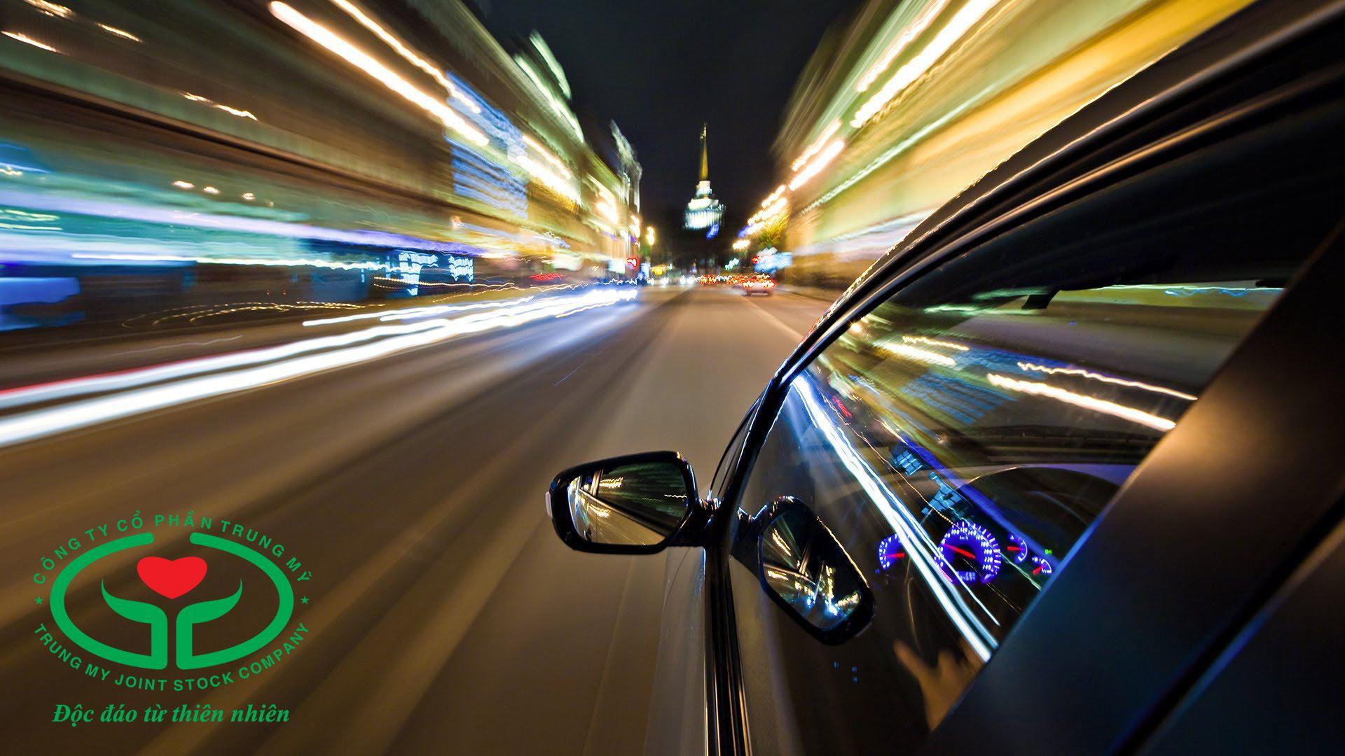 Rủi ro khi lái xe về đêm tăng lên ở người bệnh đục thủy tinh thể (cườm đá)